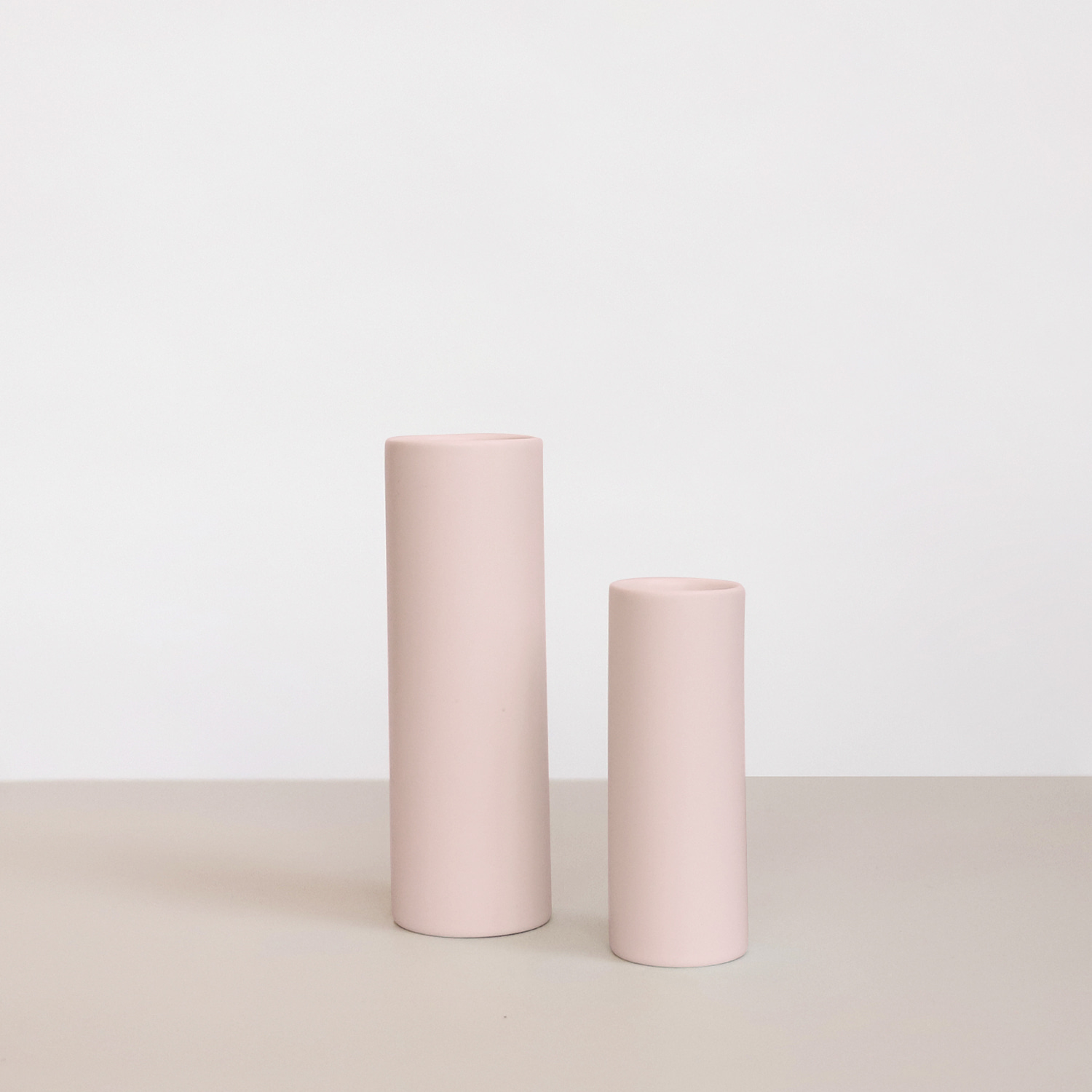 Oblique vase_ Light Pink